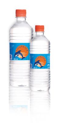dos botellas de agua